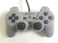 [PS1] Drôtový Ovládač Sony Dualshock - sivý (rôzne estetické vady)